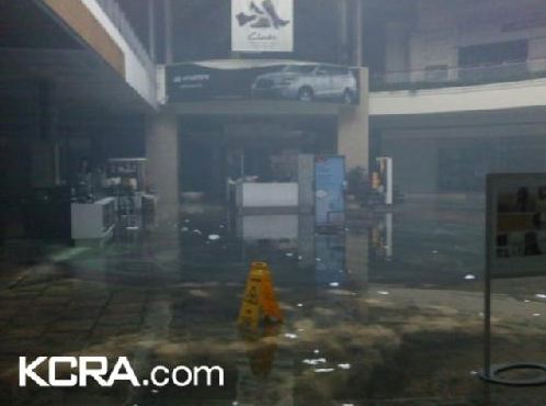 Roseville Galleria Fire Picture
